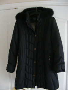 Winter coat with removable hoodie