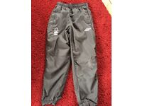 Notts forest training joggers small boys 134cm