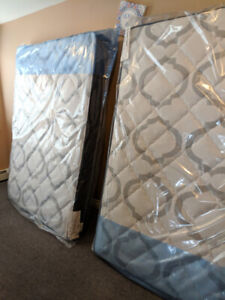 2 queen sealed mattress