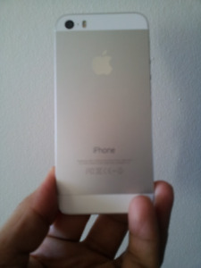 An Amazing iPhone 5s in Perfect condition