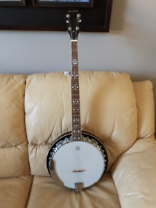 5 string Banjo by Beaver Creek