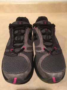 Women's New Balance Running Shoes Size 8.5 London Ontario image 4
