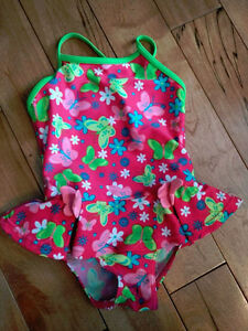 Maillots pour fille (neuf)