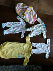4 Newborn Warm Sleepers & Swaddle Blanket - Excellent Condition