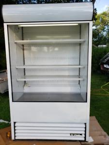 "True modele TAC-48 refrigerateur presentoir ouvert 48""."