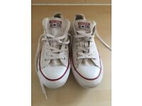 Converse size 7 chuck taylor all star