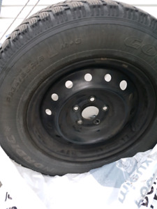 Pneu hiver/winter tires 235 65 16