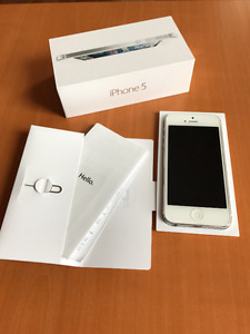 White iPhone 5 16GB - Locked to Rogers