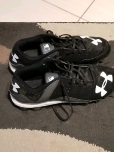 Under Armour Baseball Cleats Size 9.5 Mens