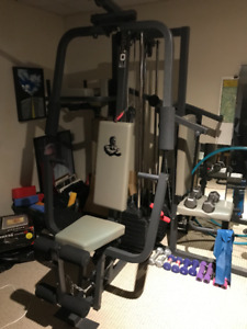 Universal Gym- Weider 9640 Exercise Equipment