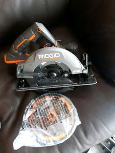 New Ridgid skill saw with blade