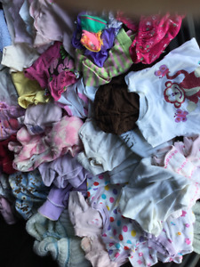 GIRLS 6-9 months baby clothing. Good condition. Bag 1.
