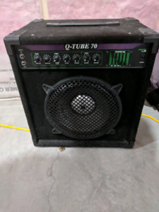 Q-tube 70 bass combo amp
