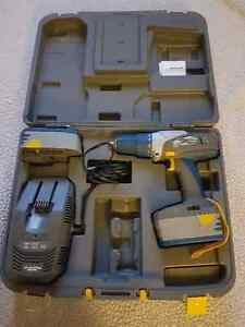 MASTERCRAFT MAXIMUM 18V CORDLESS DRILL SET WTH HARD CASE