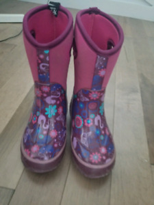 Girls size 11 winter boots. Cougar. EUC $25