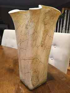 BEAUTIFUL LARGE VASE