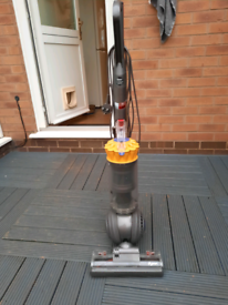 Dyson dc40 upright hoover