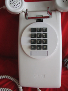 **RARE**NORTHERN TELECOM WALL ROTARY STYLE TOUCH-TONE TELEPHONE*