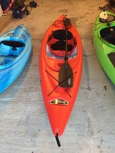 10ft kayak with paddle and vest