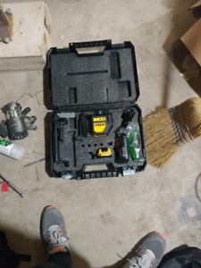 Brsnd new dewalt laser level kit