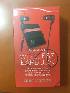 Plantronics wireless earphones with charging case