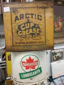 Nostalgia, Fiestaware, liveedge, antiques plus 1000 booths