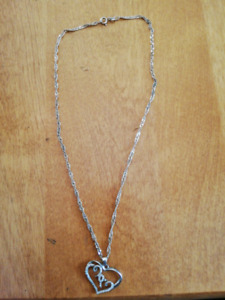 Silver necklass and pendant