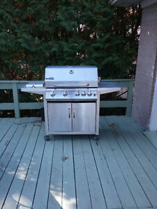 Propane BarBQ incl protective cover and gas tank