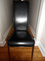 4 chaises à vendre/ Set of 4 chairs for sale