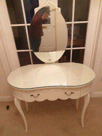 Vintage French style white shabby chic dressing table £65
