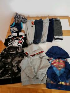 Lot de 16 vêtements 12 mois garcons