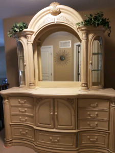 Monte Carlo Marble Top Dresser with Mirror