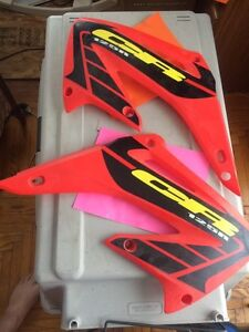 2002 Honda CR125R Left Right Rad Side Covers