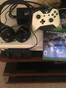 White Xbox One Bundle