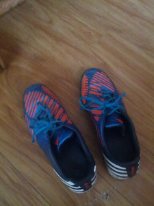 Running shoes adidas for men and is for sale