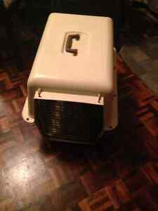 Heavy duty plastic, animal crate/carrier London Ontario image 2