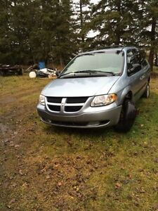 2003 Dodge Caravan For Sale For Repair or Parts Only Strathcona County Edmonton Area image 2