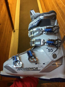 Boots, poles and skis, almost new, must go fast.