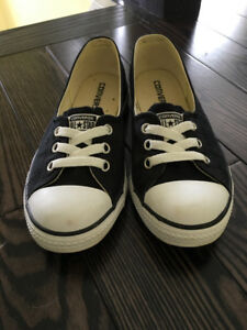 Converse women/girls shoes for sale