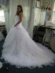WEDDING DRESS ALTERATIONS - CUSTOM SEWING GREENBANK Peterborough Peterborough Area image 3