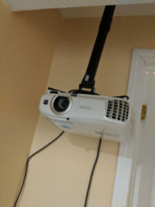 Epson 2040 3d 1080p LCD projector