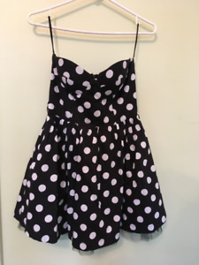 Polka Dot Black and White Strapless Dress w/ tulle - Size small