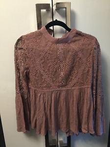 Moving sale!!!! Women's tops and blouses!!!