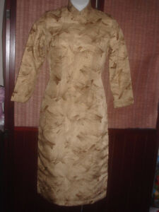 Vintage 1940' Chinese Worm 100% silk & filled in Long Cheongsam
