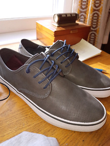 Lether shoe's  size 9