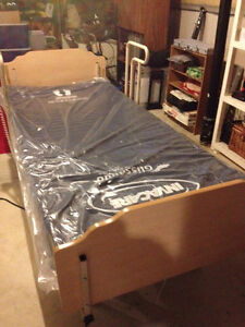 Invacare Electric Homecare Bed Stratford Kitchener Area image 2