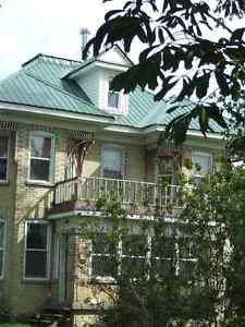 Country Victorian  - Kincardine area - Easy commute to the Bruce