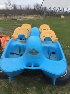 4 person paddle boat