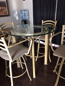 TEMPO INDUSTRIES DINING ROOM TABLE & 4 CHAIRS BAR HEIGHT