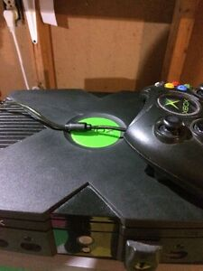 Original vintage Xbox and controller